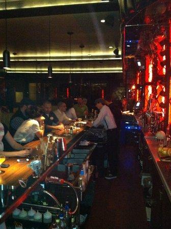 Gaetano's Restaurant: Late Night Industry Bar Crowd