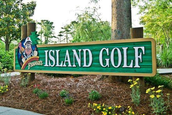 Frankie's Fun Park : Island Golf