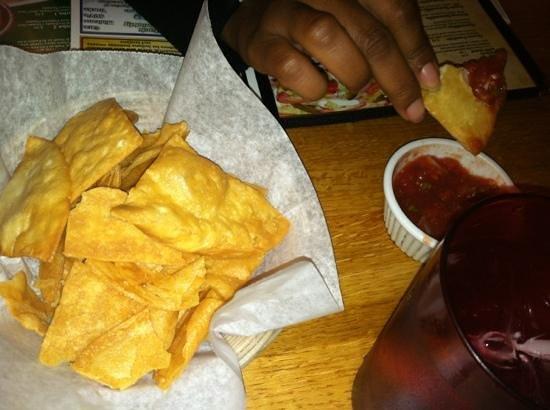 Santiago's Mexican Restaurant: Great salsa! Tortillas!