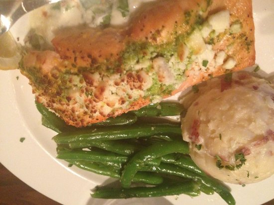 The Library Restaurant and Pub: Stuffed salmon