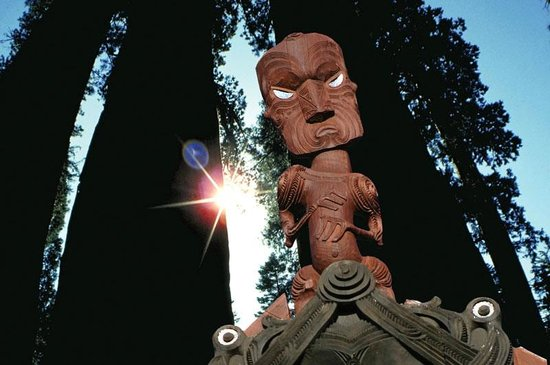 Scott Tours: Ihenga, the Maori discoverer of Rotorua