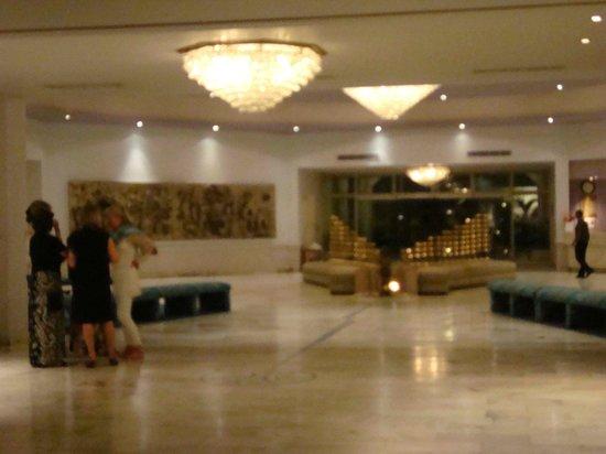 Hotel Chandela: Lobby