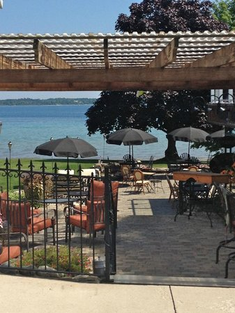 The Vineyard Inn on Suttons Bay: corkys
