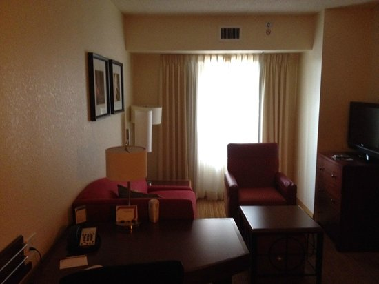 Residence Inn Cincinnati North/West Chester: Living Room