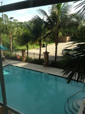 Candlewood Suites Fort Myers Sanibel / Gateway: lovely pool dayzzzzz