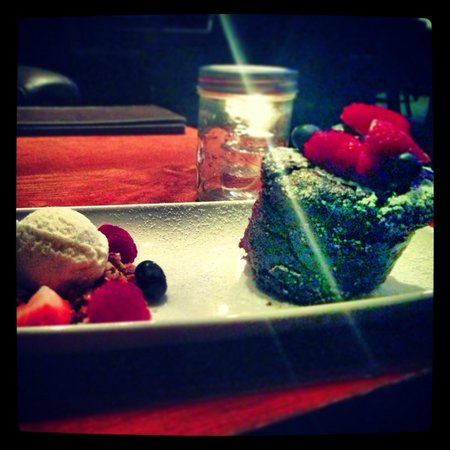 Village Taphouse: Gluten free Chocolate lava cake