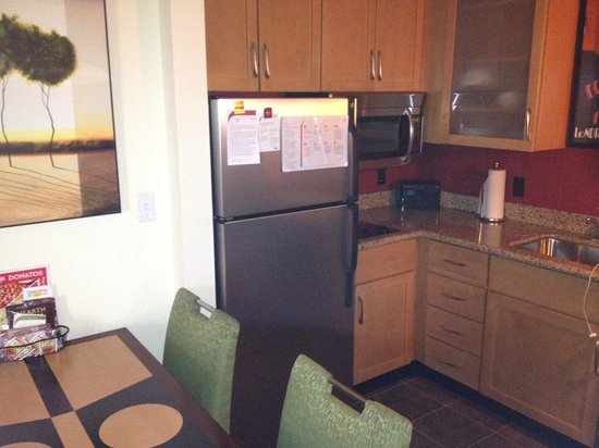 Residence Inn Cincinnati North/West Chester: Kitchenette