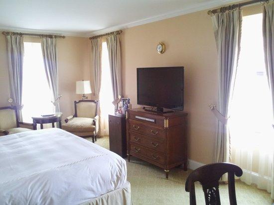 Hotel Plaza Athenee New York : bedroom
