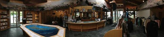 Queen Charlotte Visitor Centre : Panoramic of the inside of the QCVC