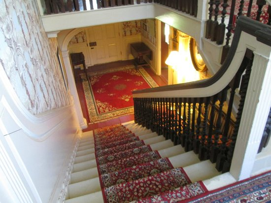 John Paul Jones House : staircase