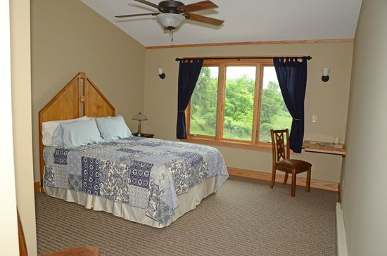 Spirit Cove Lodge B&B-Alexandria: Guest Suite