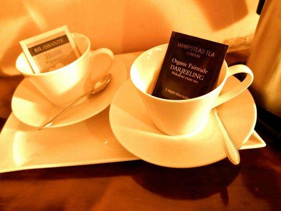 Ca' Barba B&B: Fine Teas for Guests!