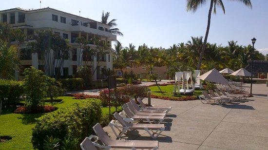 Samba Vallarta All Inclusive: morning view from above beach