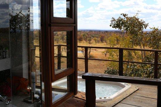 Mhondoro Game Lodge : vue de la suite présidentielle