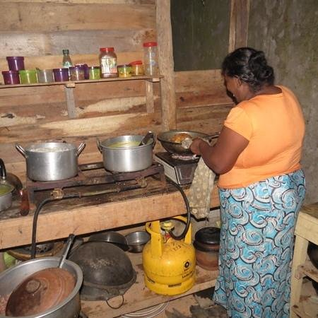 Happy Spice: Mama cooking our dinner
