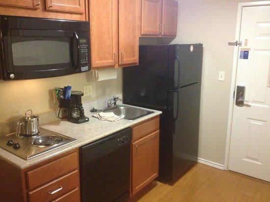 Candlewood Suites Galveston: Room kitchen
