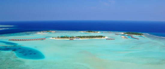 Anantara Dhigu Maldives Resort: Aerial view from west of lagoon