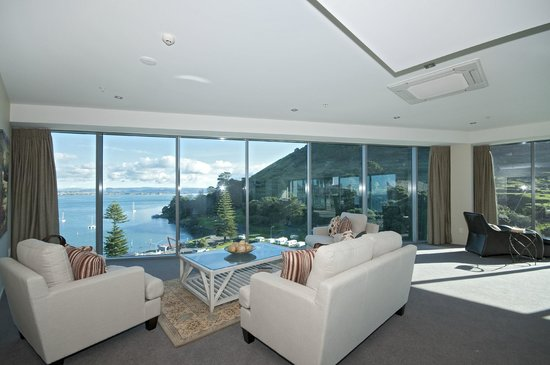 The Pacific Apartments: Views Galore