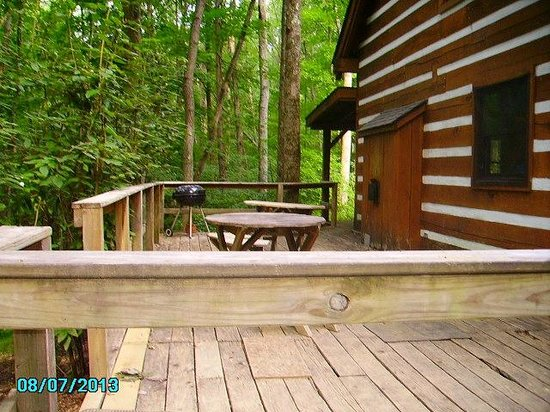 Top of The Caves Campground: deck