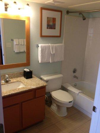 HYATT house Dallas/Richardson: Nothing beats a very clean bathroom
