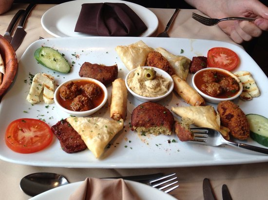 Lymm, UK: Hot Meze Sharing Platter ... Delicious !