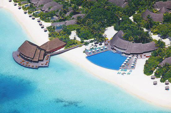 Anantara Dhigu Maldives Resort: Aerial View of Dhigu island