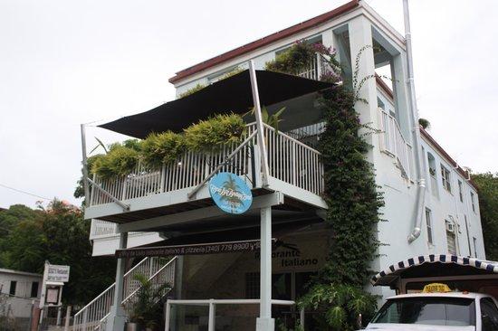 Cruz Bay Boutique Hotel: Street view
