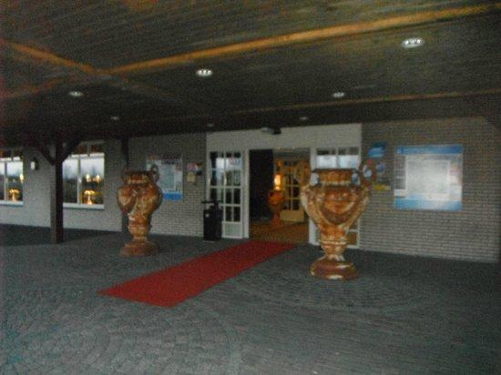 Van der Valk Hotel Groningen - Zuidbroek A7: Entrance