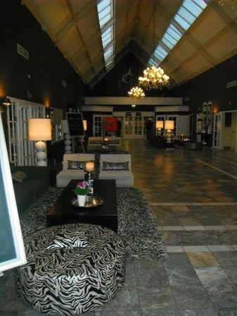 Van der Valk Hotel Groningen - Zuidbroek A7: Main Walkway