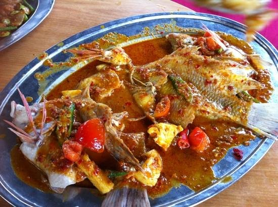 Alor Akar Restaurant: Asam Steam Fish
