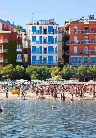 Hotel Strand Gabicce Mare: Hotel Strand - sulla spiaggia.04