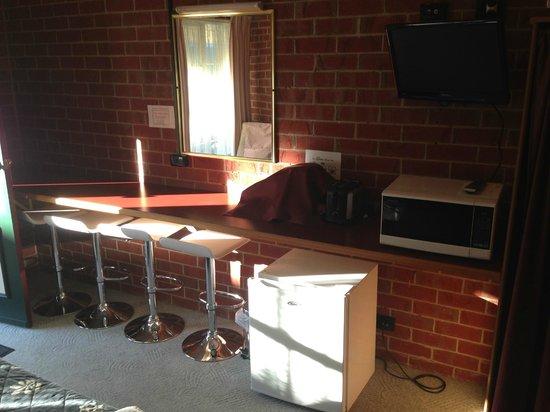 Elms Motor Inn : Room