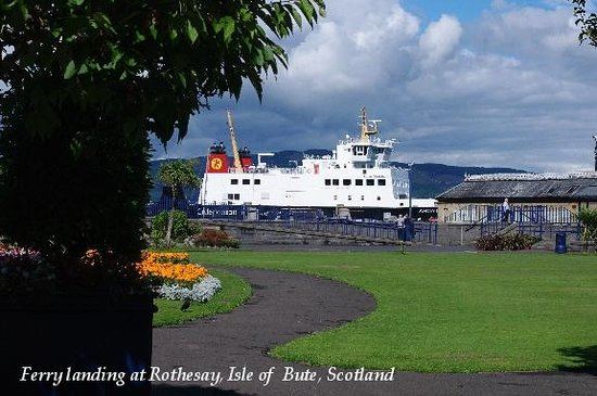 Rothesay's Victorian Toilets: The Argyle ferry arriving from Wemyss into Rothesay