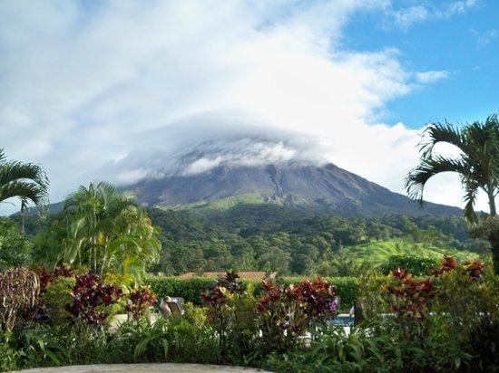 Arenal Kioro: Volcano view