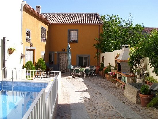 Casa Rural Barguena: Patio