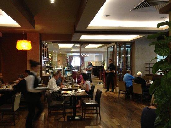 Camden Court Hotel: Restaurant