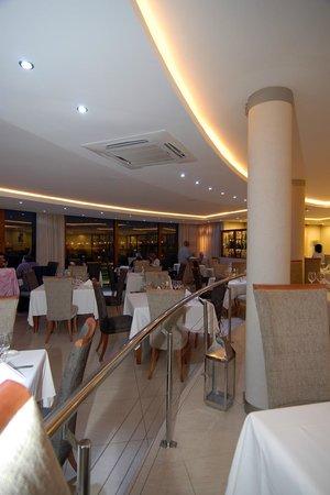 The Wreck Restaurant: Elegant interior!
