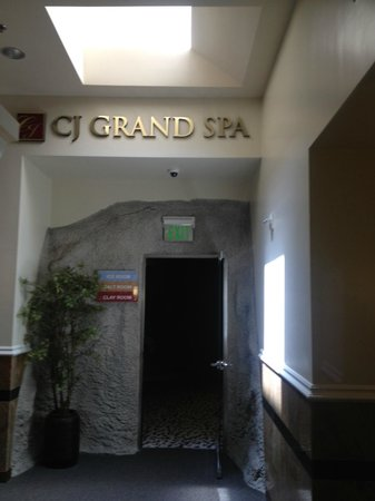 CJ Grand Spa: Entry to the woman's section