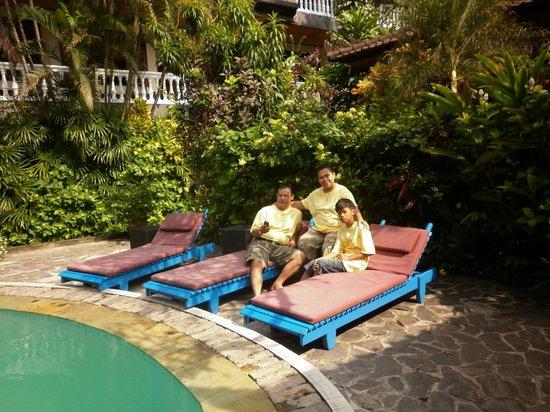 Simpang Inn: Area Kolam Renang