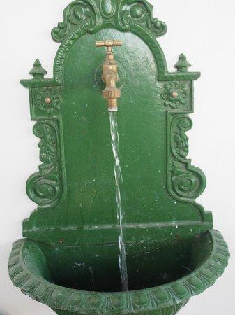 L'Aura : La fontaine de la terrasse