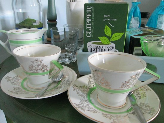 Fontmell Magna B&B: tea for two