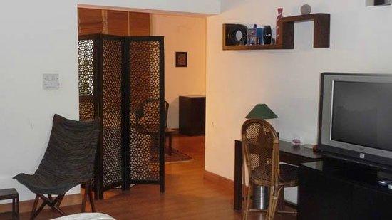 The Jacaranda : Sittin room viewed from bedroom