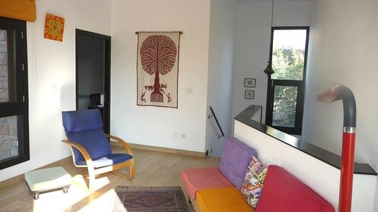 The Jacaranda: Sitting room