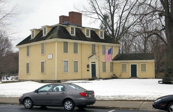 Buckman Tavern in winter