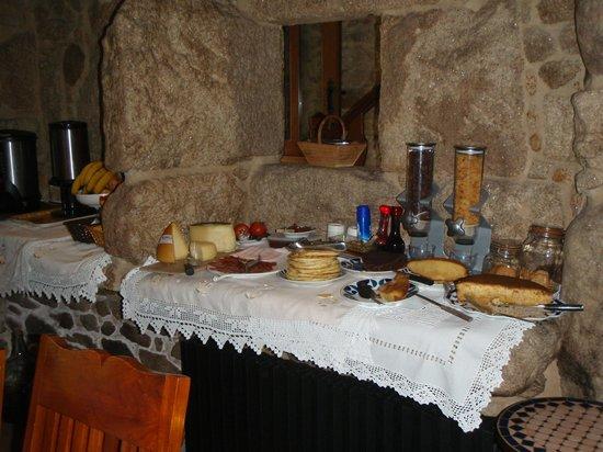 Casa Do Mudo : Buffet copieux du petit-déjeuner