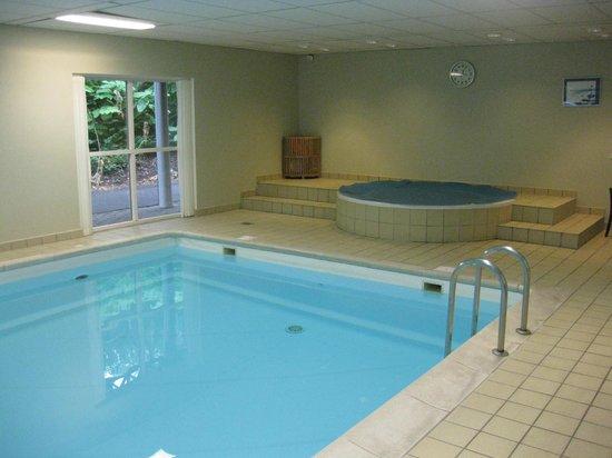 Comwell Kongebrogaarden : Pool og spaområde.