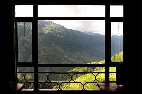Baike Hotel : View over rice paddies