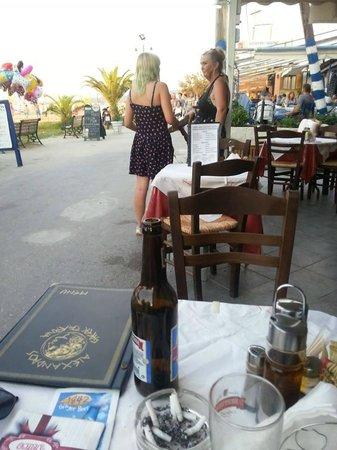 Smileys Rooftop Restaurant: Lisa and Jodie