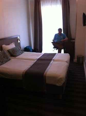 Art Hotel: our room 301