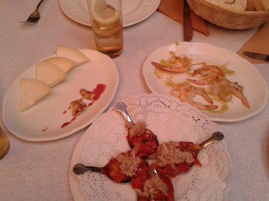 Hotel Rural Posada del Rincón: Menú exquisito, recomiendo la ensalada con frutos secos, queso y miel.